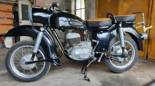 Motocicleta, marca MZ 175cc ES 1963 + una demontata 250cc