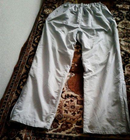Продам болоневые спортивные штаны, 52 р. (демисезонные).