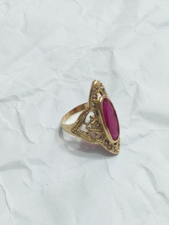 Vand inel din aur 18k rubin si diamante