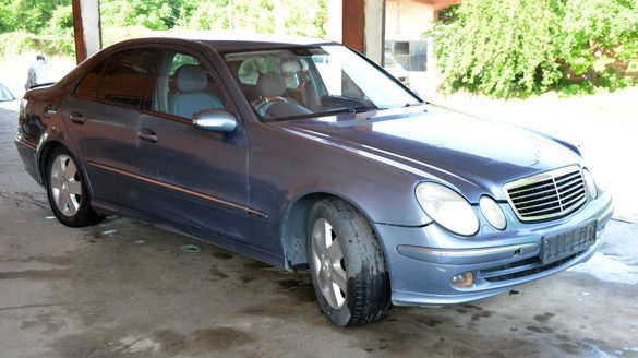 Mercedes-Benz E-Class (W211) на части