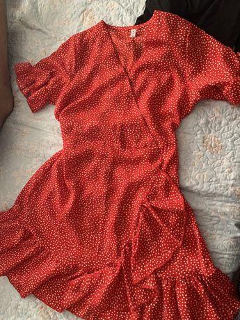 Платье красное с белыми горошками