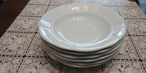 Порцеланови чинии  ,ваза. и малки керамични чиниики