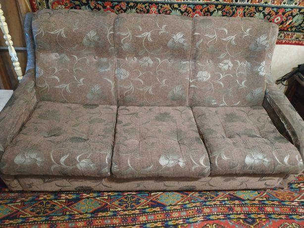 Диван и кресло а хорошем состоянии