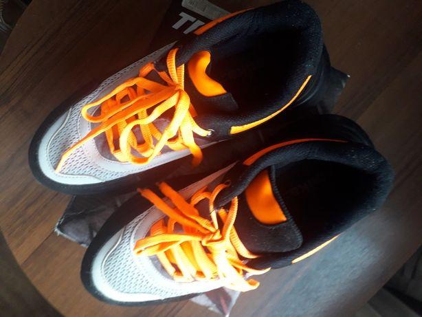 Продам кросовки 38 р
