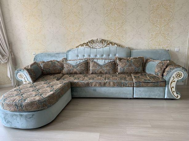 Королевский диван