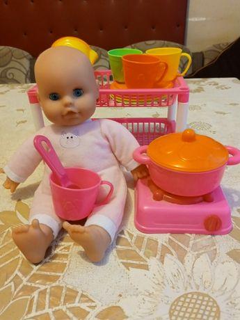 Сервиз за игра и кукла