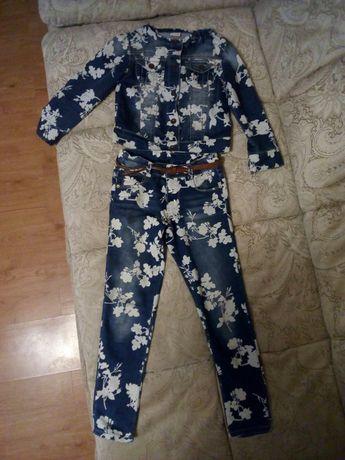 Продам джинсовый костюмчик