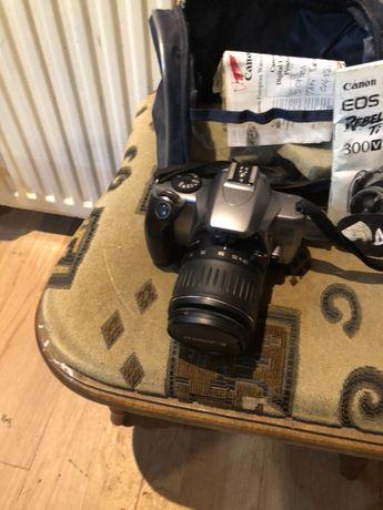 Aparat foto marca Canon EOS