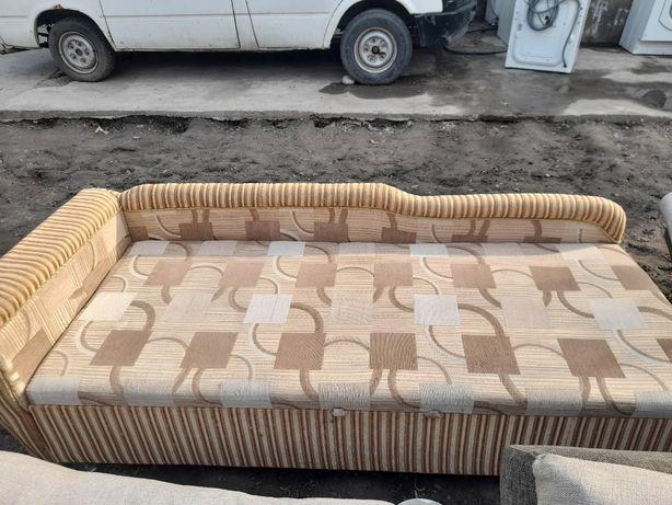 Продам срочно диван и стенку много разных мебели цены разные узнать мо