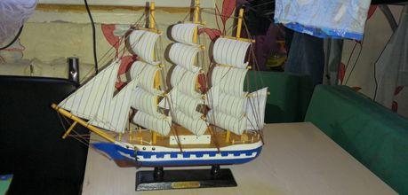 Продам сувенир Кораблик