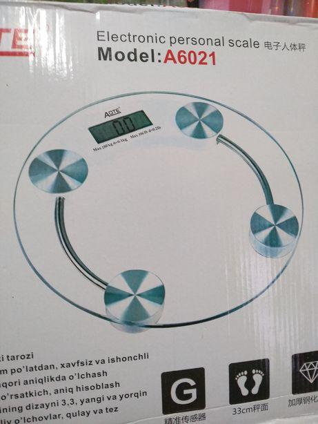 Весы электронные напольные до 180кг.