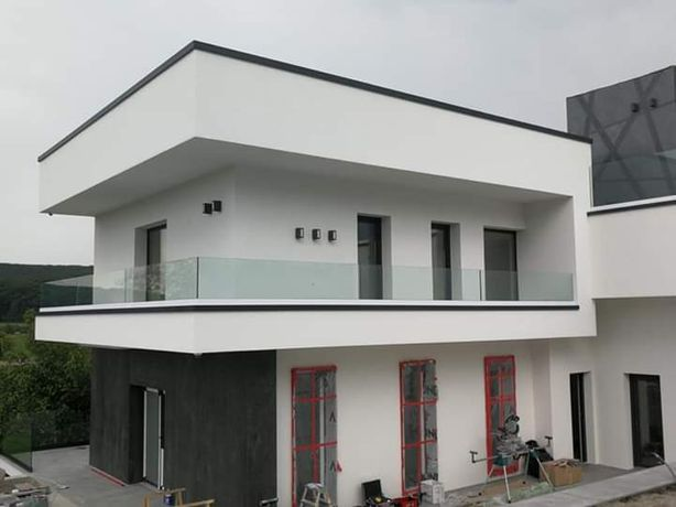 Sisteme din sticla securizata pentru balcoane si terase