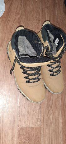 Отдам мужские зимние ботинки