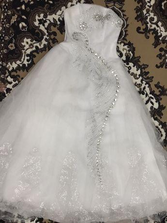 свадебьный платье