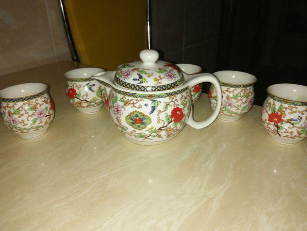 Фарфоровый китайский сервиз для чайных церемоний.