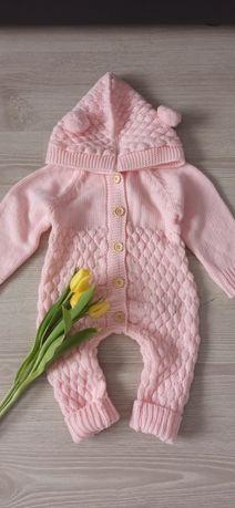 Salopeta tricotata bebeluși Baby Pink