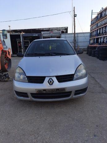 Dezmembram Renault Clio 2 1.5 dci An 2002