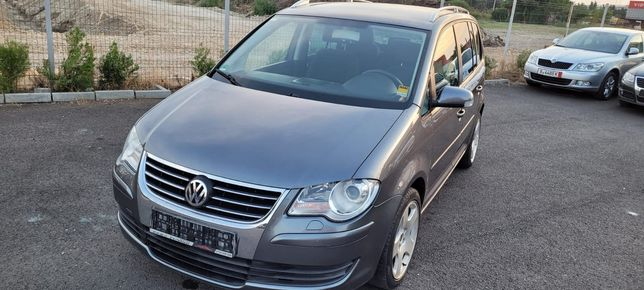 Volkswagen Touran//2.0 TDI//7 locuri