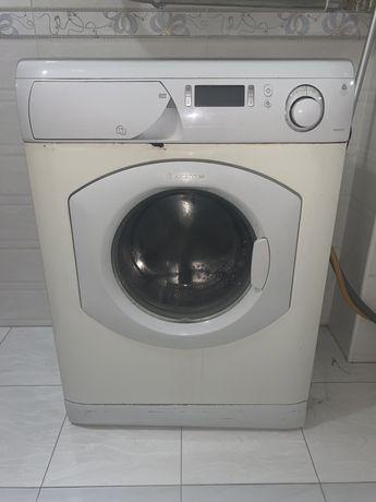 Срочно!!! Продаю стиральную машину Ariston 5kg.