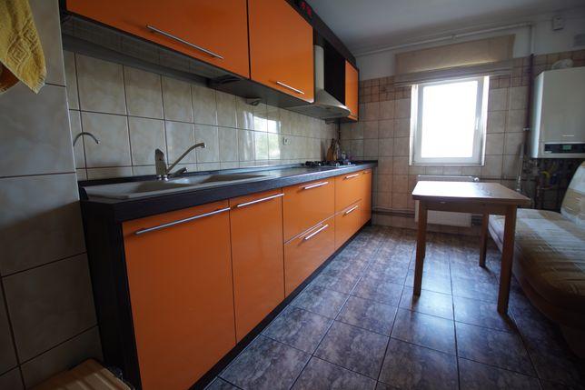 Apartament 3 camere decomandat, zona Far