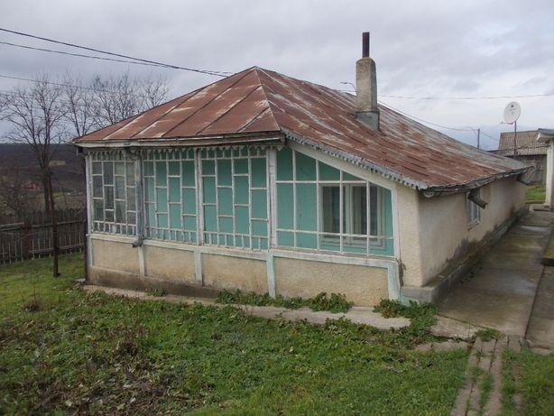Casă bătrânească, teren 2000mp, Larga-Jijia (Movileni), 24km de Iași