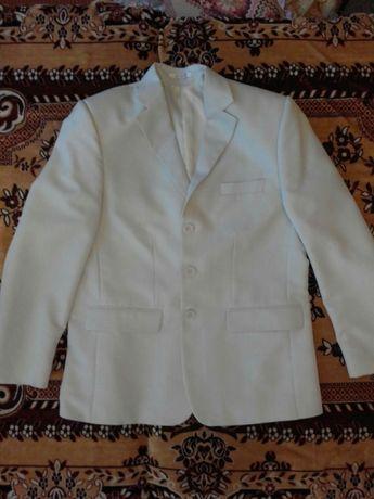 Продам мужской костюм - тройка