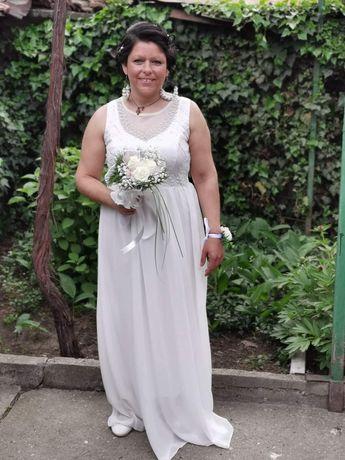 Бална,булчинска или официална бяла рокля