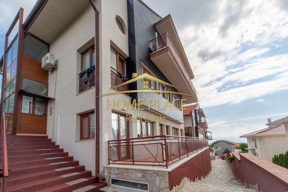 Хотелски комплекс от къщи с морска панорама в м-т Ален Мак!