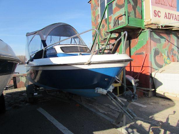 Parcare pe apa/uscat, pentru ambarcatiuni / auto in Tulcea ,,LA MARCU