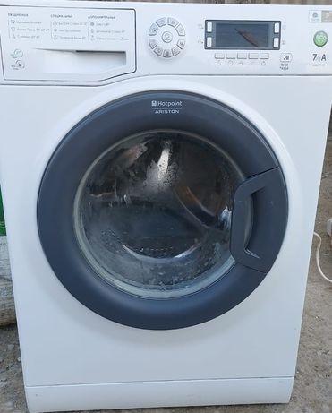 Продам стиральную машинку фирмы Hotpoint ARISTON