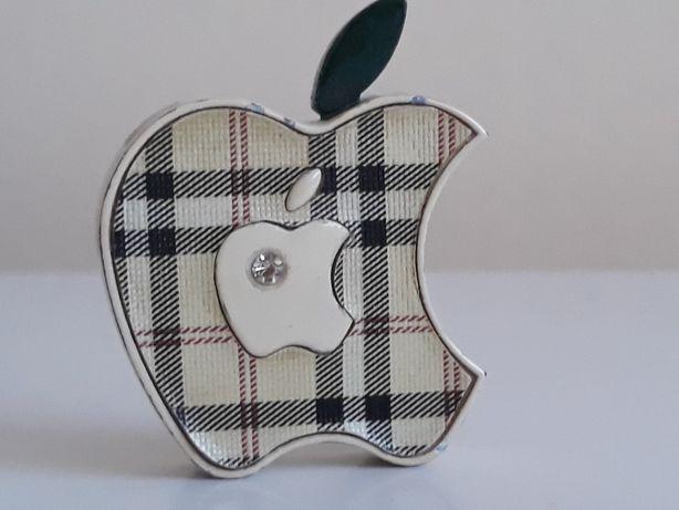 Bricheta Lighter Apple