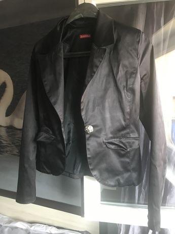 Черно сатенено сако