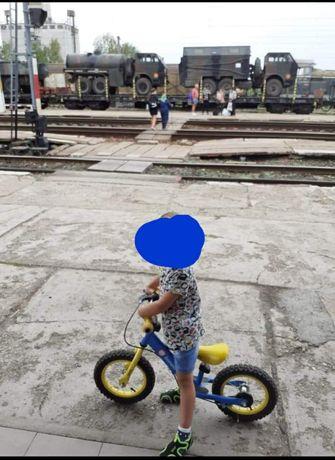 Vand bicicleta pt copii fara pedale