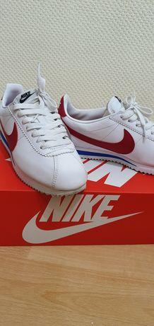 Продам срочно кроссовки Nike Cortez оригинал