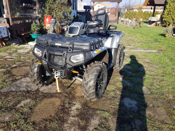 Vand/inchiriez ATV Polaris