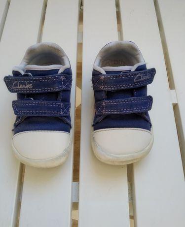 Детски обувки Clarks + подарък пантофи КК