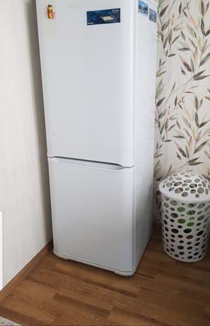 """Продам Холодильник! """" Бирюса """"Высота 173 см в ремонте не был 2014 года"""