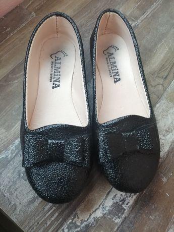 Обувки за госпожица
