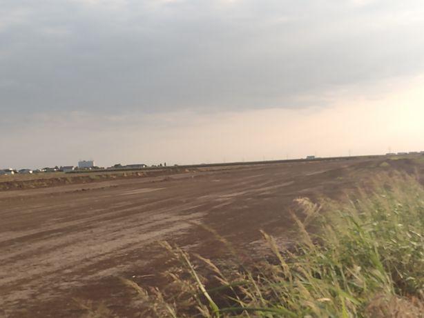 Vând teren langa autostrada A0