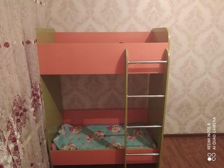 Продам двухярусную детскую кроватку
