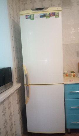 Продам холодильник LG в связи с переездом