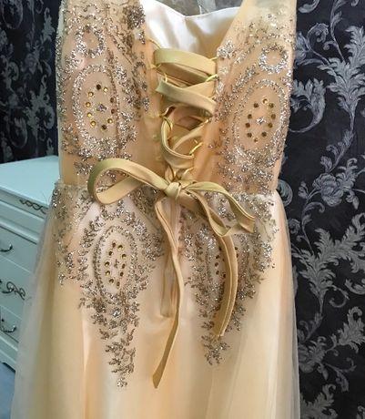 Платье на новогодний вечер или свадьбу!