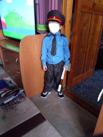 Продам детский новогодний костюм полицейского на 3-4 года. 1500 тг.