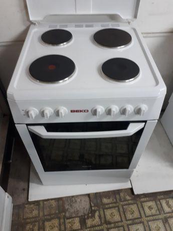 Электрическая плита фирма  ВЕКО 60×60