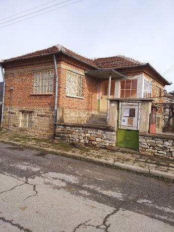 Продавам къща в село Садово, обл. Бургас.