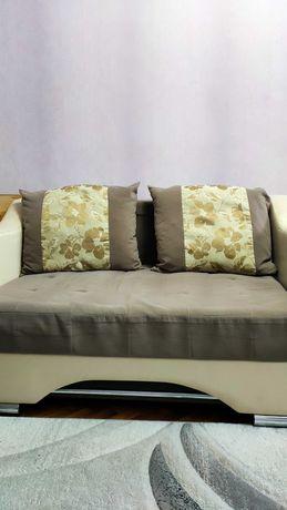 Продам б/у диван и кресло 2+1