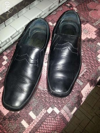 Продам школьные туфли кожаные