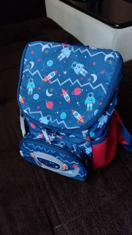 Детска раница с космонавт