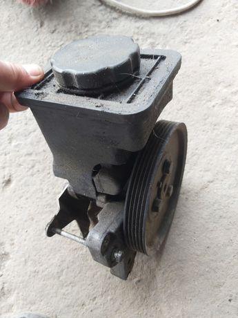 Pompa servo direcție bmw e 39 3.0 diesel