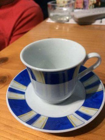 Vând 2 seturi cești cafea + scrumieră ornamentală cristal